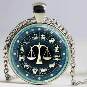 collier médaille signe astrologique balance