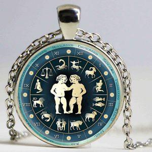 collier médaille signe astrologique gémeaux