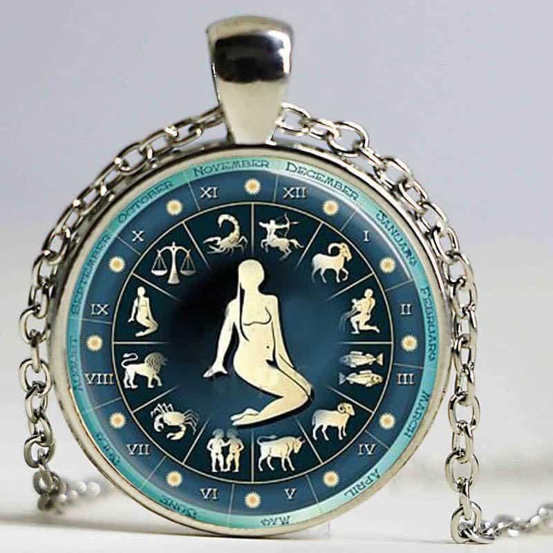 collier médaille signe astrologique vierge