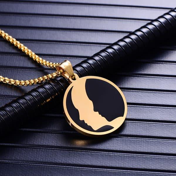 Collier pendentif signe astrologique gémeaux homme or