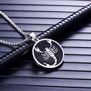 Collier pendentif signe astrologique scorpion homme argent
