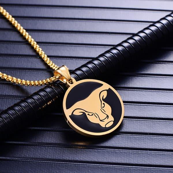 Collier pendentif signe astrologique taureau homme or