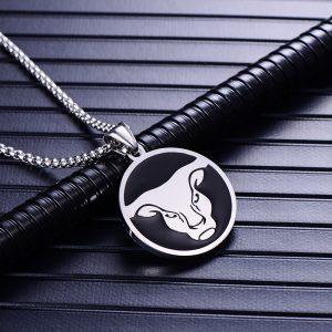 Collier pendentif signe astrologique taureau homme argent