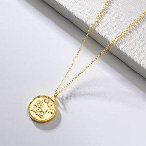 collier signe astrologique bélier plaque or